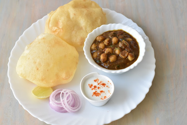 food:chole bhature