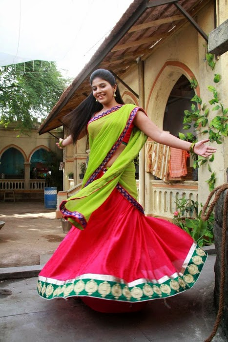 Hot Anjali Photos In Green Half Saree