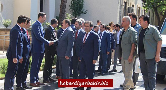 Bakan Veysel Eroğlu'ndan Diyarbakır Valiliğine ziyaret
