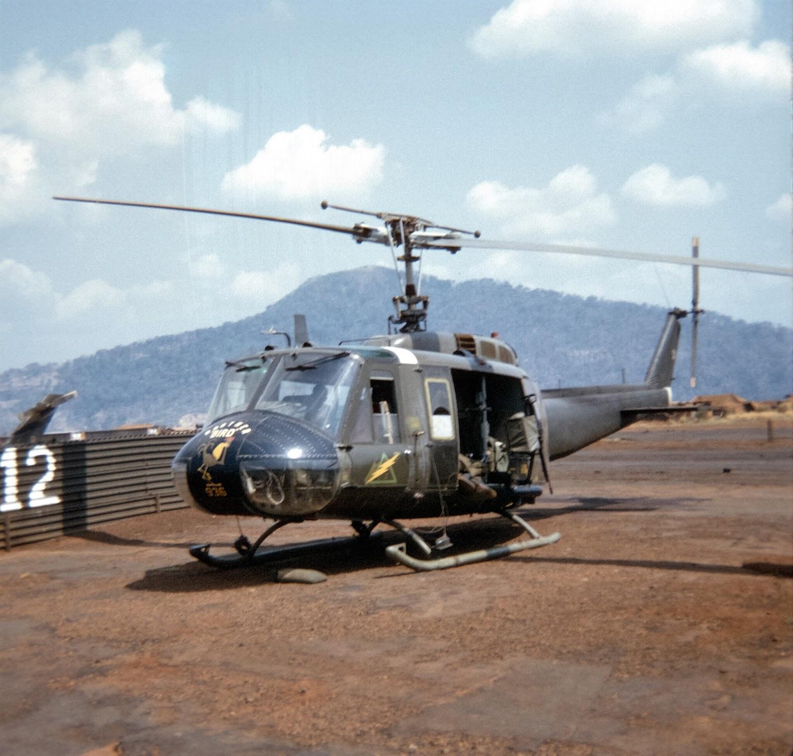 Bell UH-1 Helicopter | Vietnam war, Aircraft, Belle |Bell Helicopter Vietnam