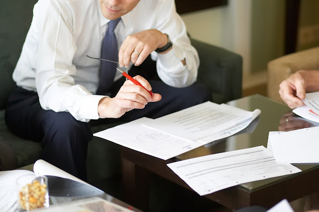 بحث ودراسة أخلاقيـــات وسلوكيـــات المحامــــي ومهنة المحاماه