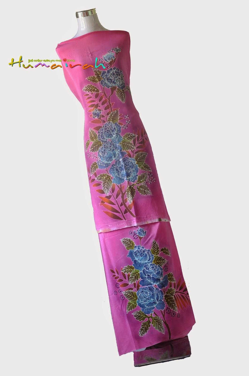 CX81 Batik Sutera Exclusive Batu - Pink dan Biru Motif Bunga Ros 1