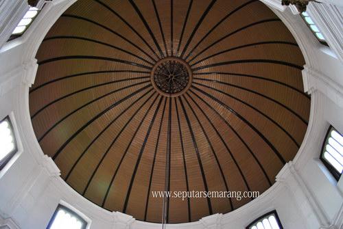 Gambar langit langit gereja