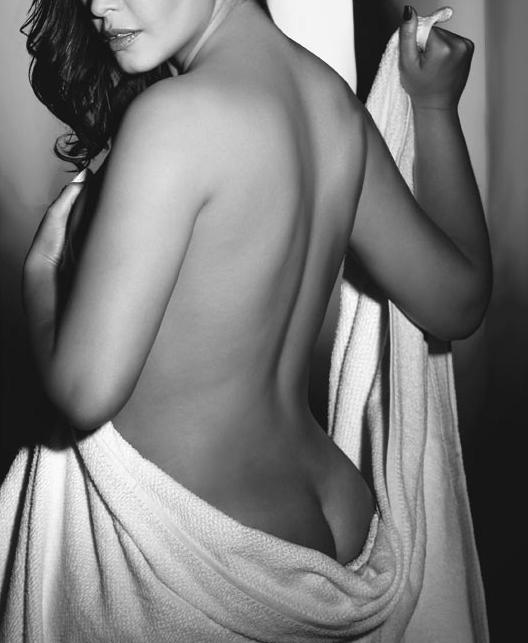 La seora de la limpieza trabaja desnuda - Amateur