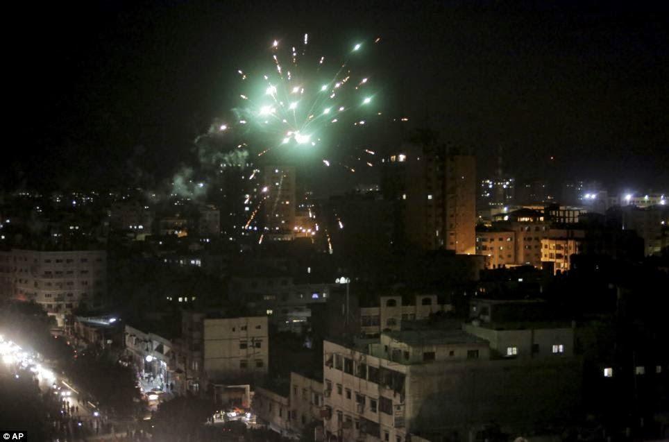 Gambar-gambar rakyat Palestine bergembira meraikan ...