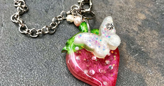 UV Resin - Strawberry Keychain