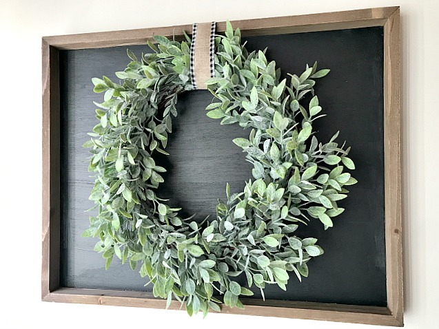 DIY Farmhouse styled chalkboard with Wreath. Homeroad.net
