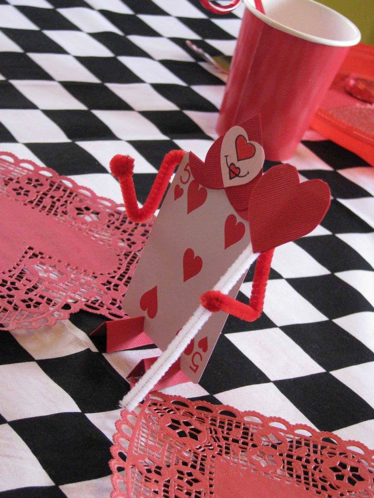 alice in wonderland card soldiers template - making merry memories alice in wonderland party