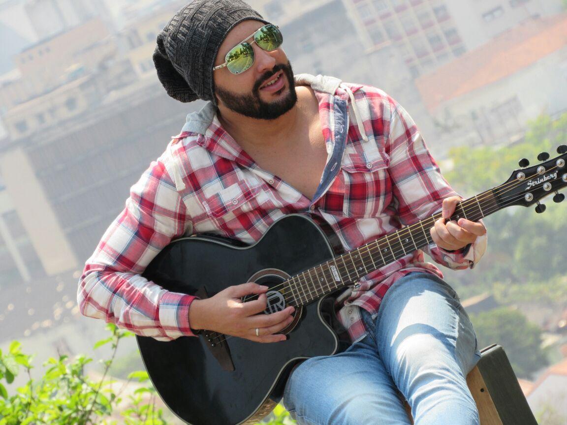 Tiago Rodrigues: músico finalista em votação do premio olho vivo 2017