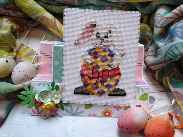 Wielkanocne kartkowanie - zajączek z jajkiem