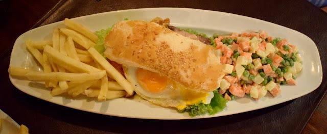 Blog Apaixonados por Viagens - Uruguai - Colonia de Sacramento - Restaurante Proa