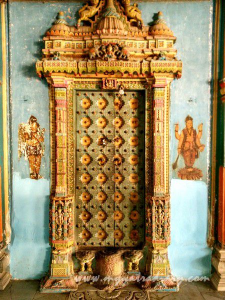 Elaborate carvings on door of Dhundiraj Ganesha Temple, Vadodara