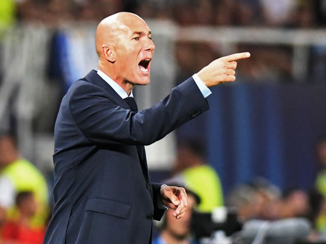 Zinédine Zidane trong cương vị HLV trưởng