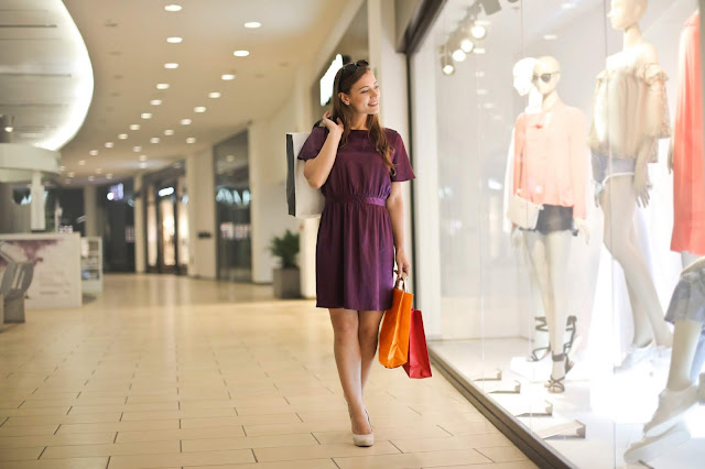 Keuntungan Bisnis Reseller Pakaian Wanita Yang Populer - ideLAKU.com 9b82f53537