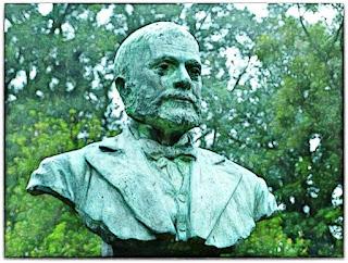 Busto de José Gomes de Vasconcellos Jardim, Praça Gomes Jardim - Guaíba