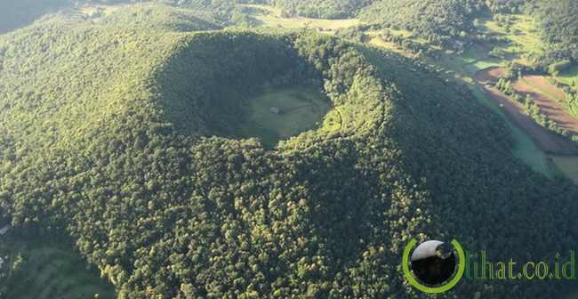 Kawah Santa Margarida Volcano, Spanyol