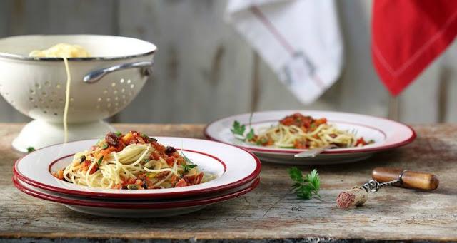 Ioanna's Notebook - Spaghetti Putaneska