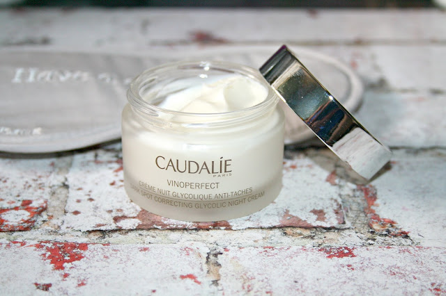 Caudalie Vinoperfect Dark Sport Correcting Glycolic Night Cream Pot