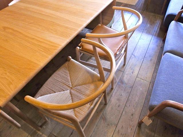 CH006はハンス・J・ウェエグナーデザインの機能的なダイニングテーブルです。