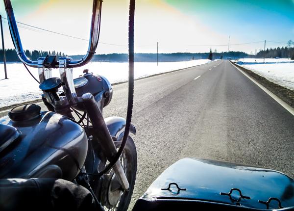 sivuvaunu moottoripyöräily talvella