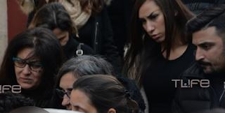 Ράγισαν και οι πέτρες στο Μνημόσυνο για τον Παντελή Παντελίδη: Τραγική φιγούρα Η Μητέρα του