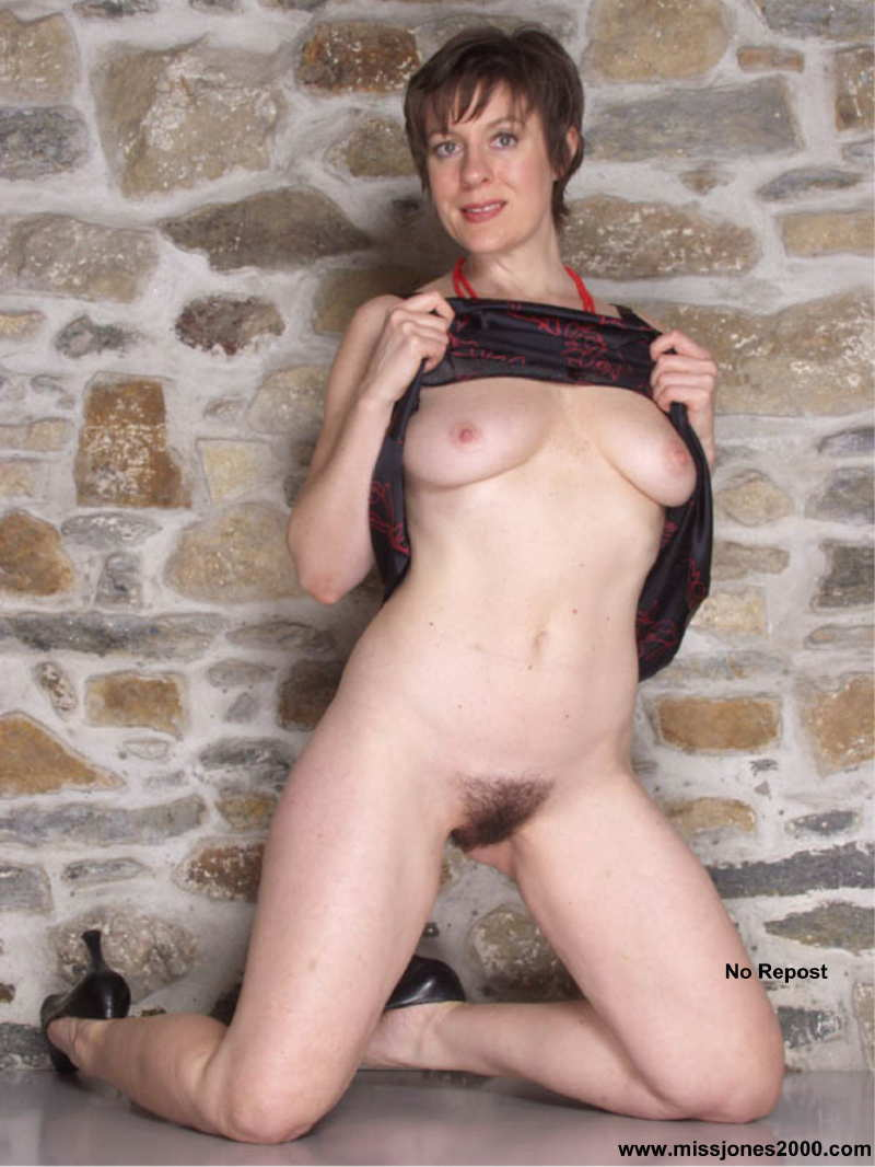 Fabulous Mature Miss Jones-9266