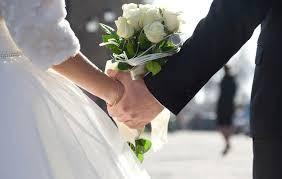 dipikirkan oleh pasangan baru menikah
