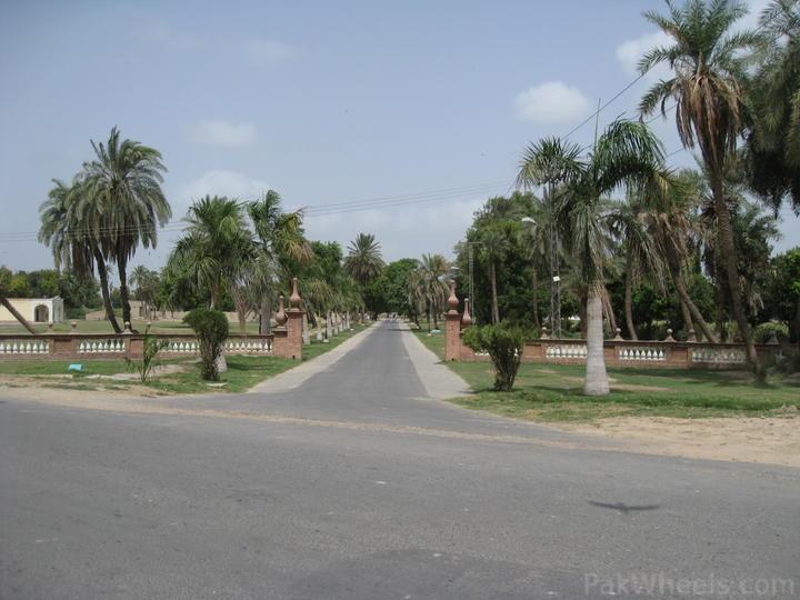 PAKISTANI BOYS AND GIRLS: pics of Bahawalpur