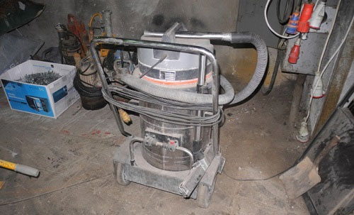 máy hút bụi công nghiệp cũ