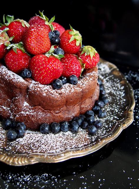 Kahden aineen suklaakakku