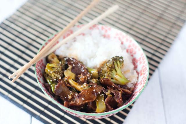 Wołowina z brokułami w sosie słodko-ostrym