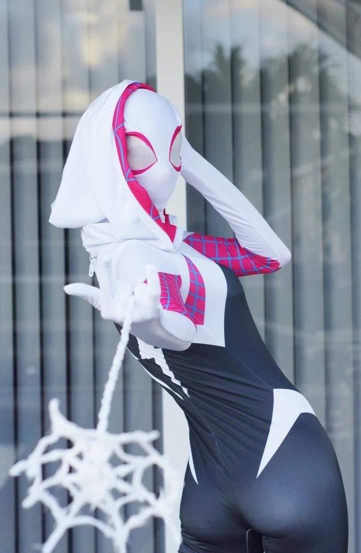 Cosplay Spider-Gwen