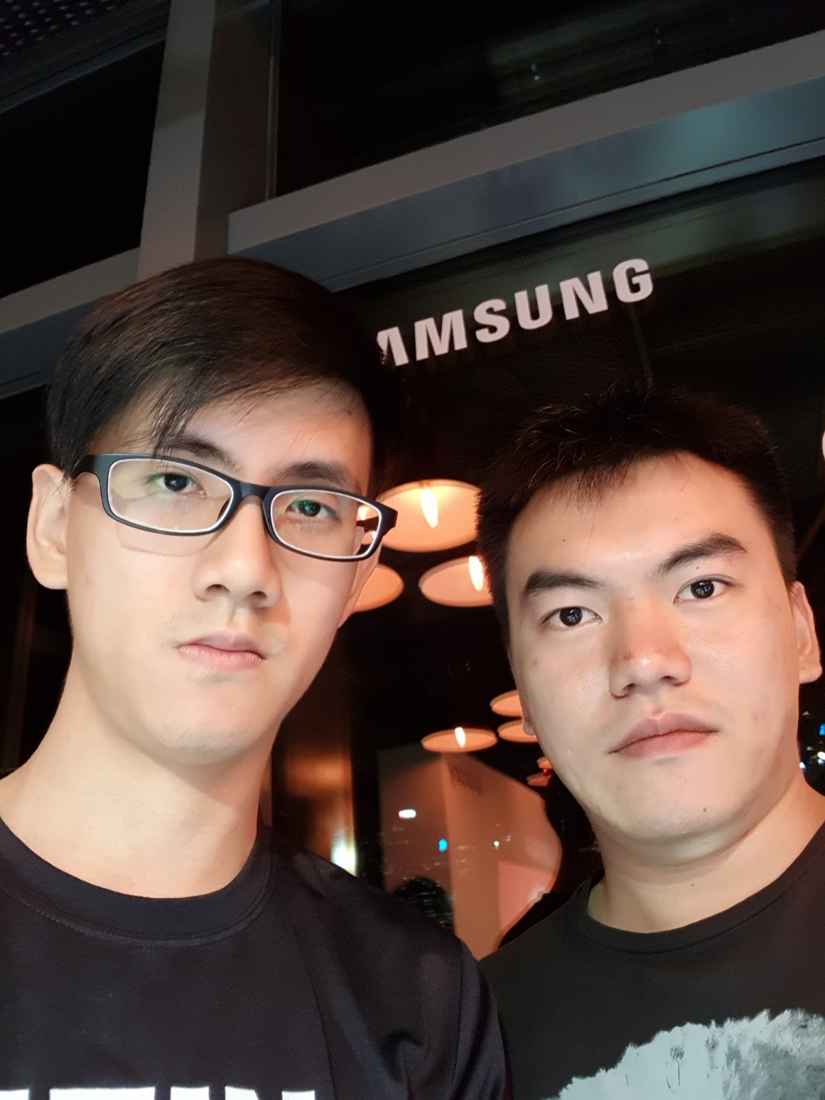 how to take a distant selfie on samsung s8