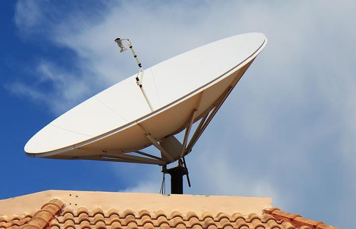 Las principales redes televisivas transmiten en UHF / WEB