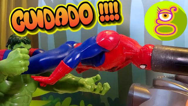 Spiderman es atacado por una aspiradora y Hulk y la bebé Pompitas lo ayudan Capítulo #7