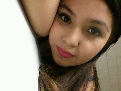 mujer busca amigo en facebook, bellos