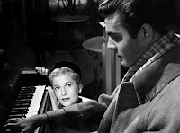 Letter From An Unknown Woman (1948) Joan Fontaine and Louis Jourdan Image 2