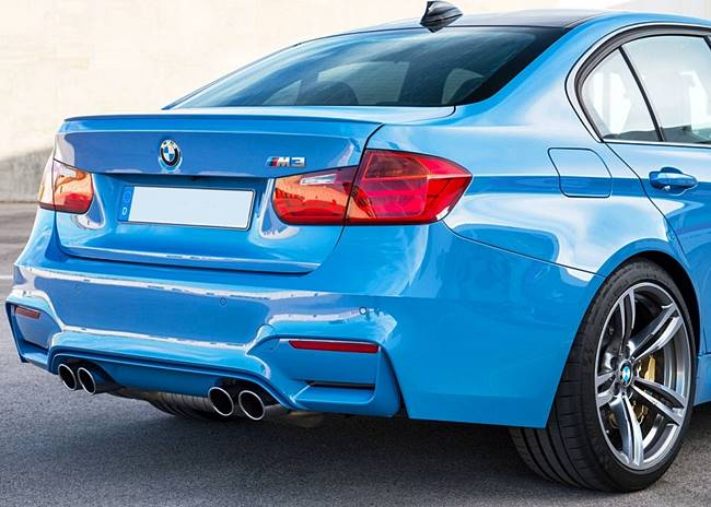 BMW M3 Biturbo Six-Cylinder with 431 HP V8