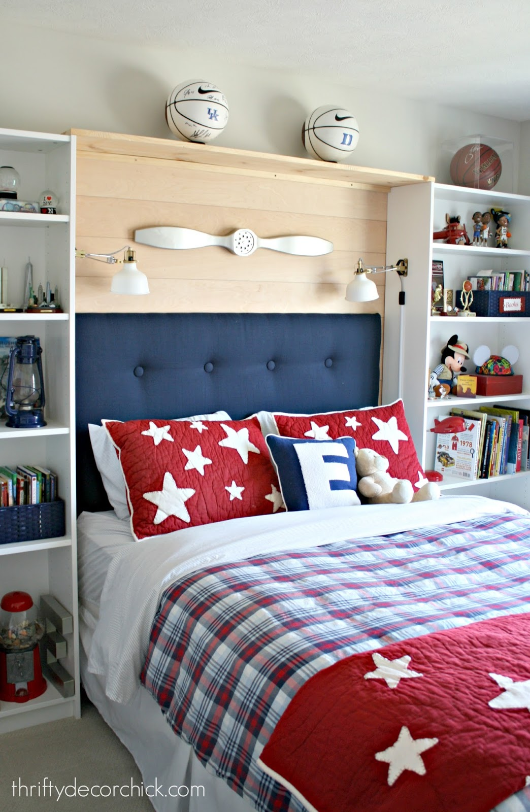 Creating a bed nook with bookcases