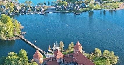 Trakai Island Castle On Lake Galve Lithuania A1 Pictures