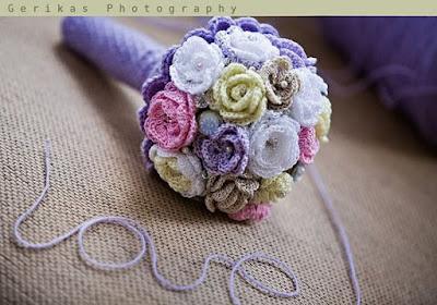buque de noiva feito de flores de croche passo a passo