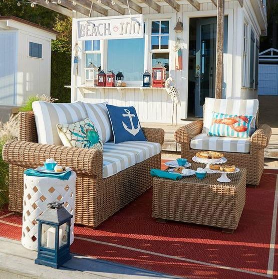 Small Outdoor Space Beach Decor Idea