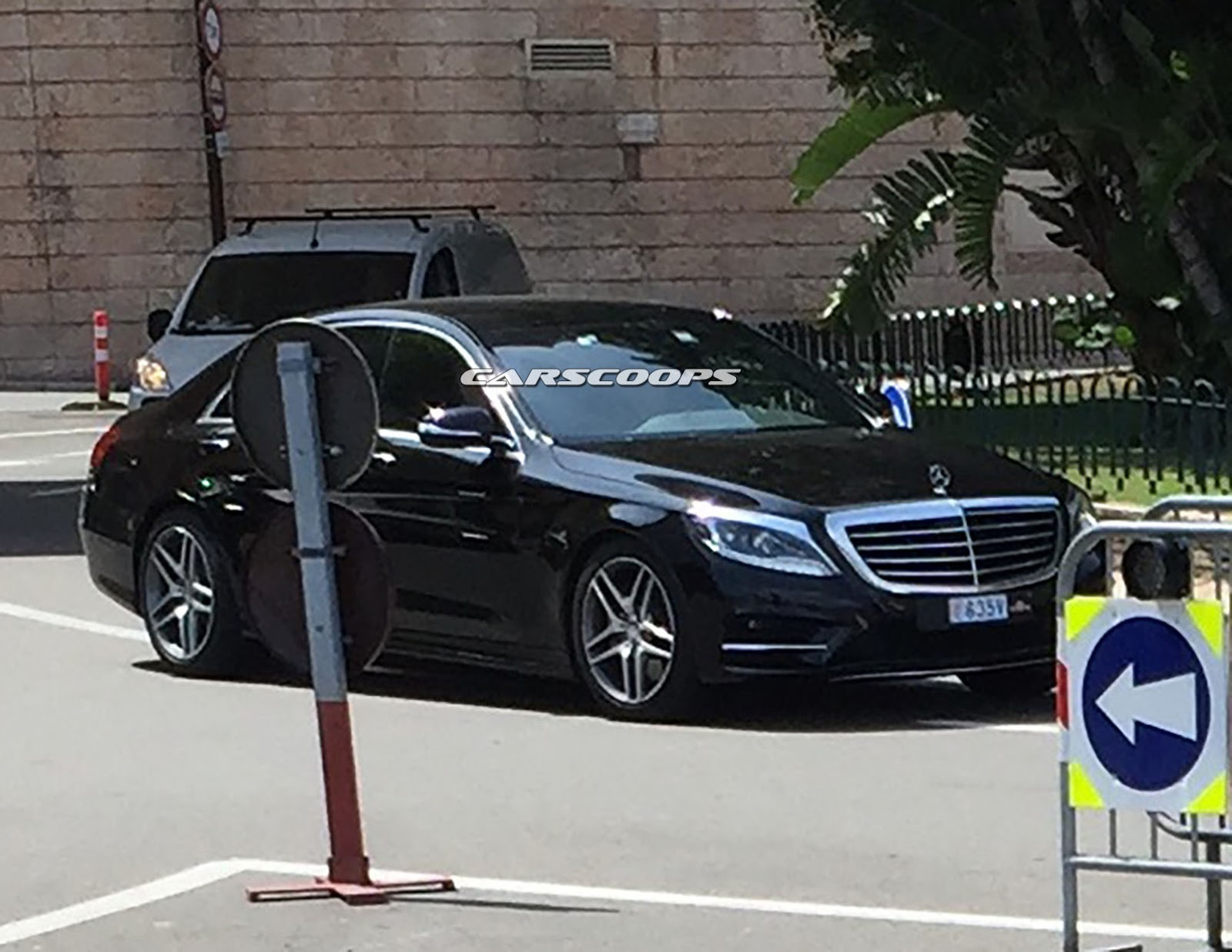 did u spy the facelifted 2017 mercedes