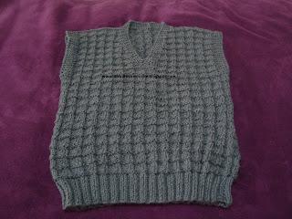49d4a3ff1bdc Dalva artes em trico e croche (¯`·¸·´¯): Colete infantil para menino ...