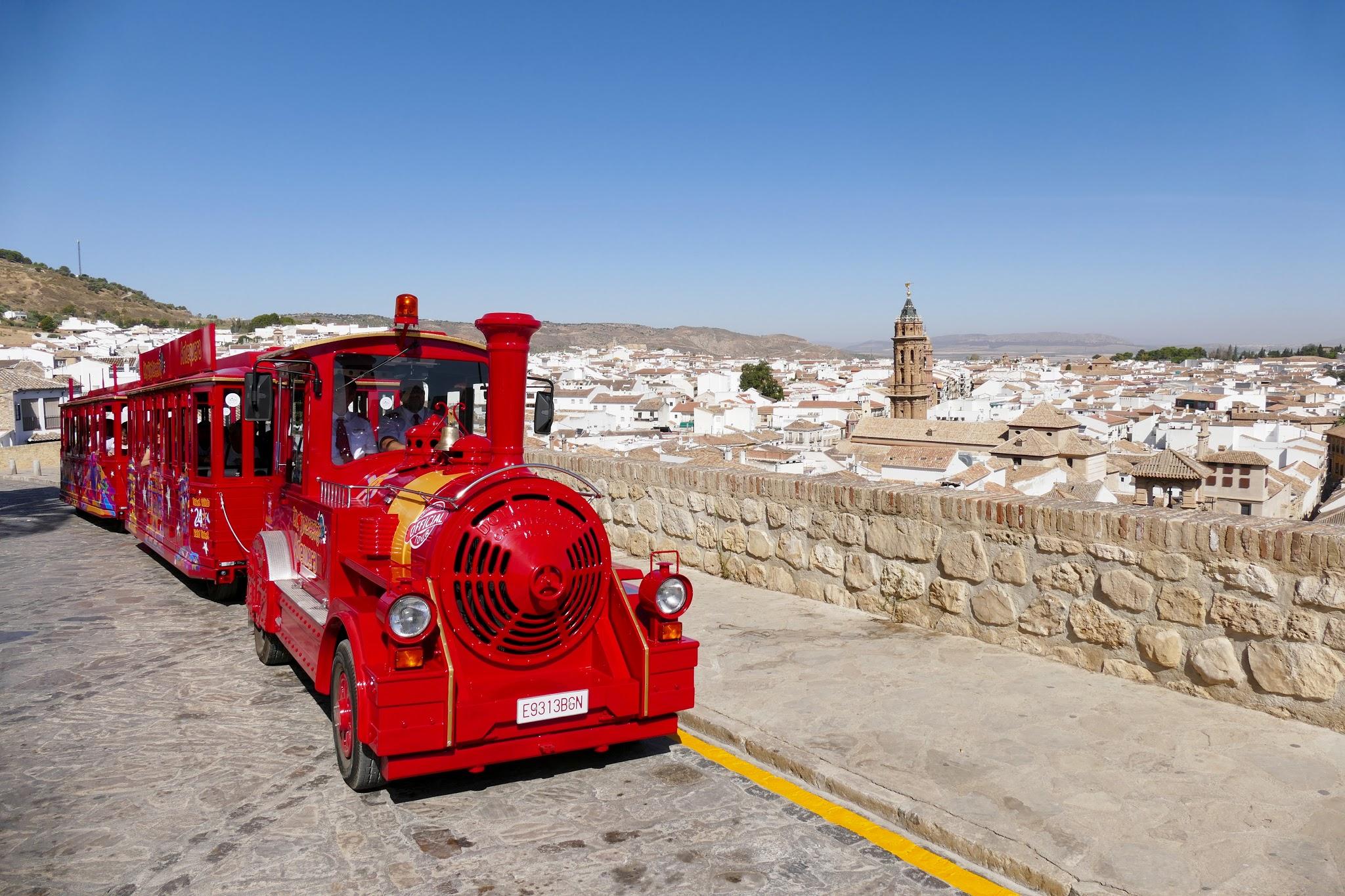 tren turistico city sightseeing antequera alcazaba