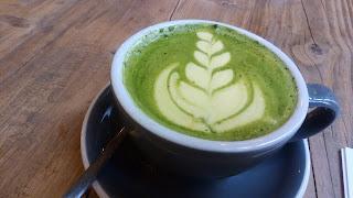 イギリスの抹茶ラテの写真6、ターメリック抹茶ラテ