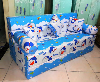 Sofa bed inoac motif new doraemon