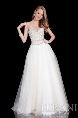 modelos de Vestidos de 15 Años Blancos