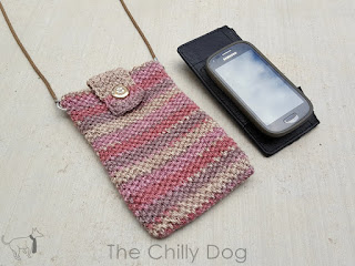 Free Crochet Pattern: Pink Sands Pocket Purse to carry just the essentials (wallet, keys, phone) when you are on the go.