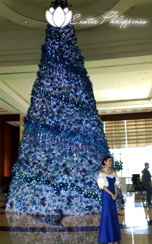 Radisson Blu Hotel Cebu Christmas Tree